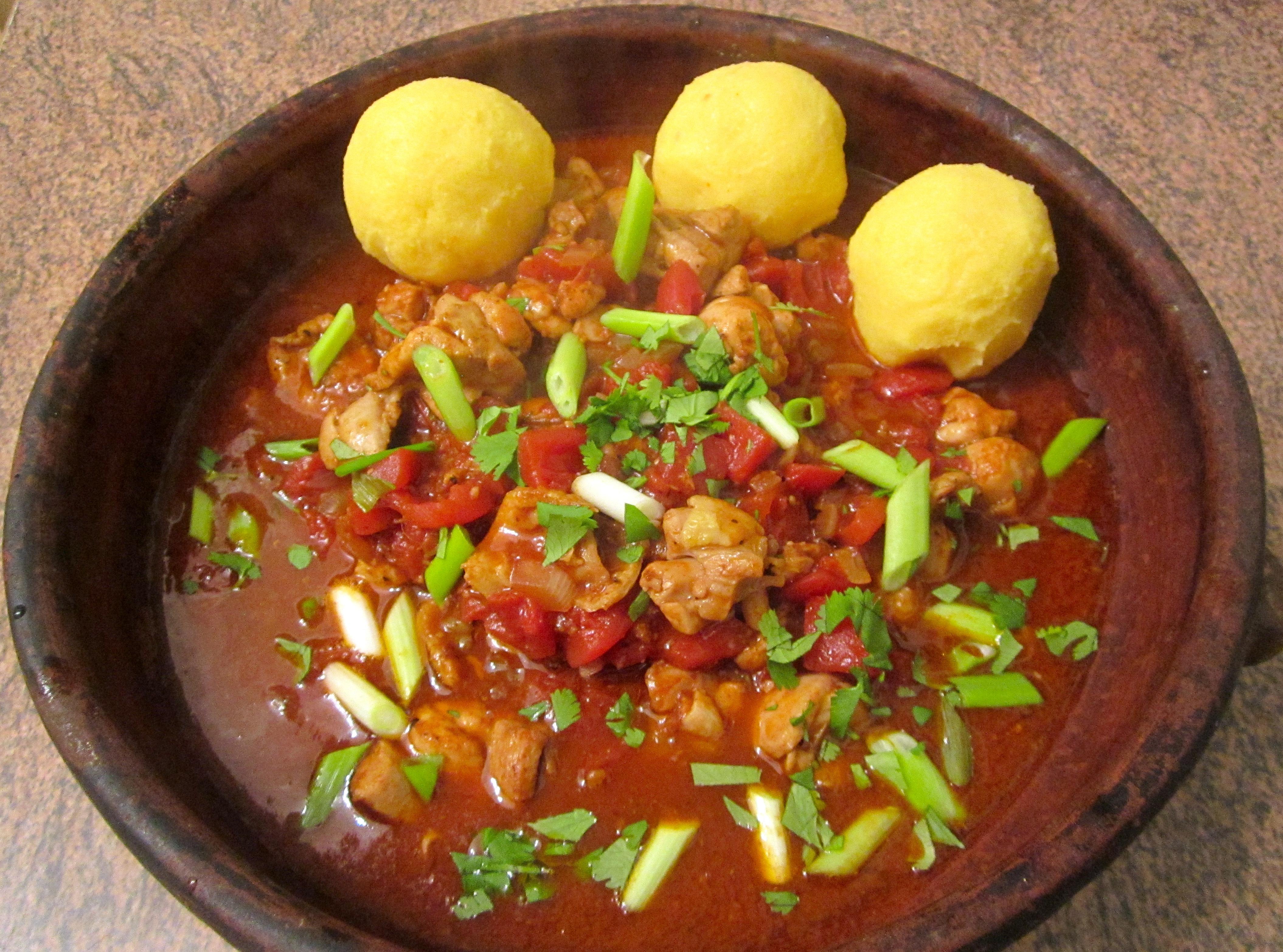 Sadza ne nyama ye huku zimbabwean porridge with chicken for Cuisine zimbabwe