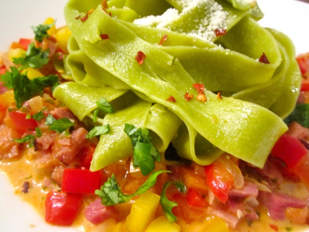Spinach Pappardelle & Ham And Bell Pepper Ragout