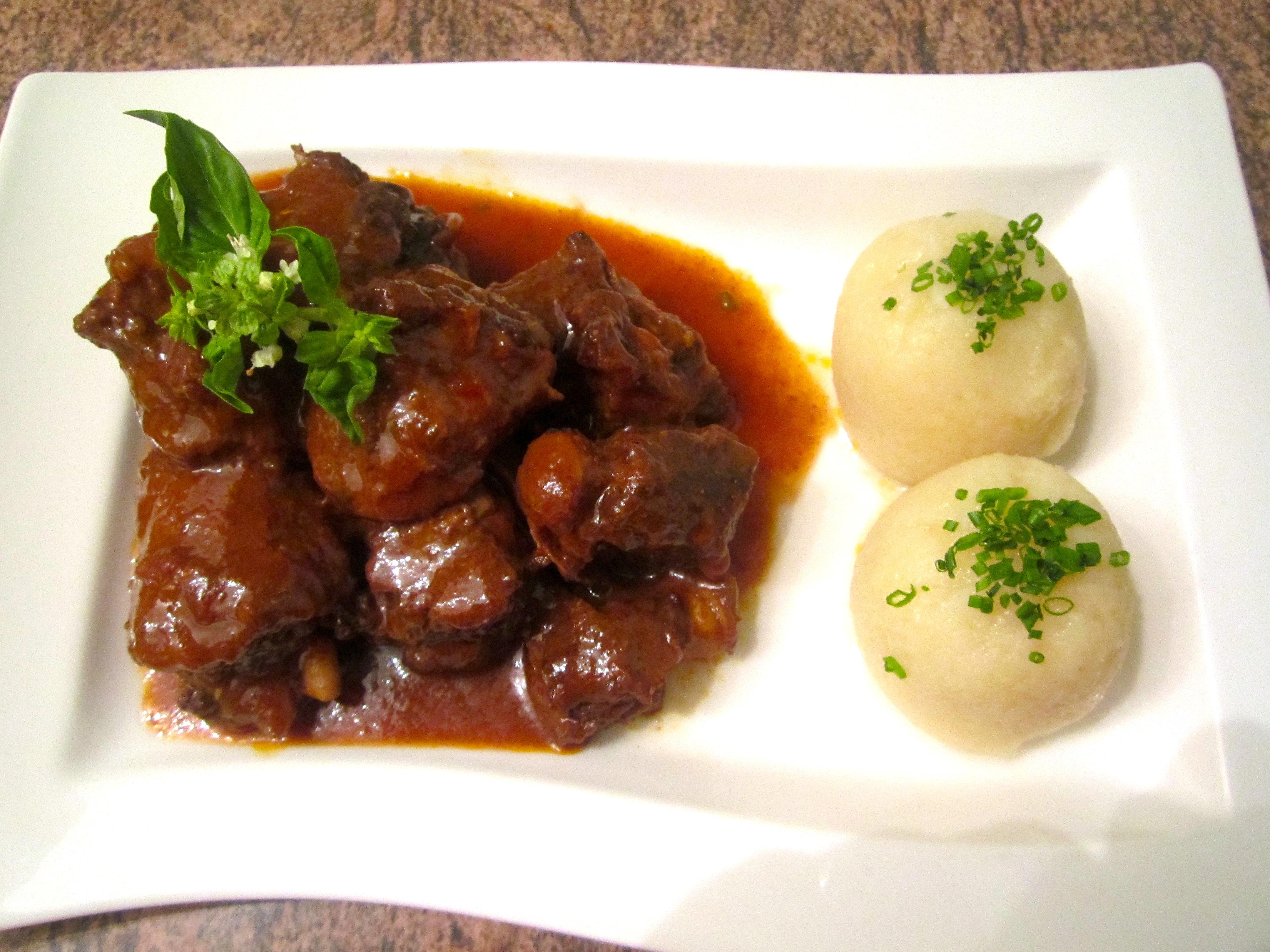 Braised Oxtail Potato Dumplings Geschmorter Ochsenschwanz Kartoffelknoedel Chefsopinion