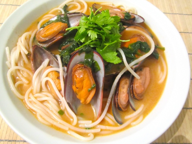 Green Lip Mussels, Lai Fen Rice Sticks And Chopped Broccoli Rabe In Red Curry/Coconut Soup