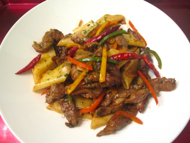 Chili Beef, Pennoni Lisci & Peppers