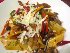 Chili Beef, Pennoni Lisci & Peppers