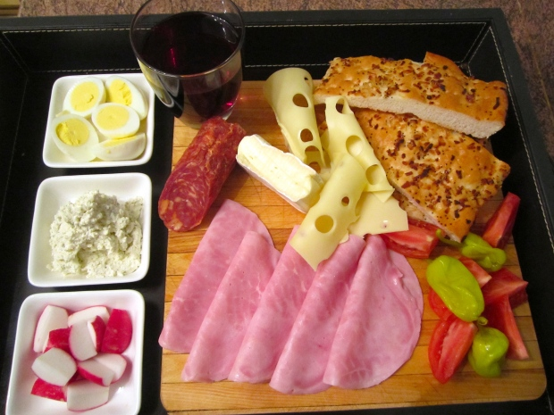 onion/garlic -focaccia, ham, emmenthaler, salame, brie, boiled egg, boursin, salted radishes, salted tomatoes, chilies & merlot