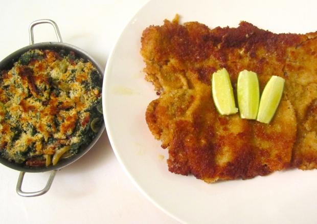 Paniertes Rinderschnitzel Mit Sautiertem Spinat (Breaded Beef Cutlet With Spinach)