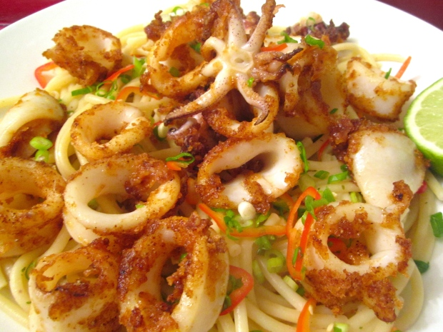 Calamare E Bucatini