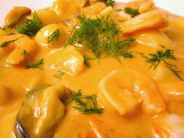 Finkenwerder Meeresfruechte Suppe - Seafood Soup Finkenwerder Style