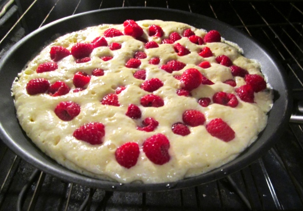 bake at 380 until pancake has set, flip pancake to brown on other side and to caramelize the raspberries. (to avoid flipping the pancake, you can also turn of the oven when the pancake has set und switch on the broiler) I personally like the first method better :-)