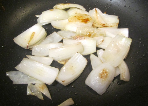 saute onions and garlic paste in garlic oil