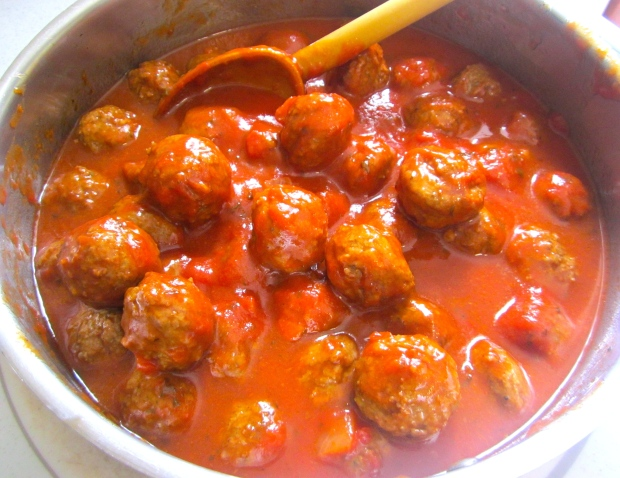 remove merguez sausage from casing, form into small balls, saute in olive oil until medium, add 1/3 of harissa and 2/3 of tomato sauce. If too thick, add some of the pasta liquid, simmer for one minute, check / adjust seasoning