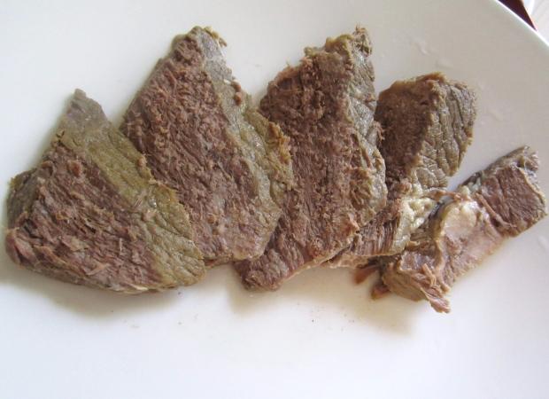 slice beef , arrange on serving platter