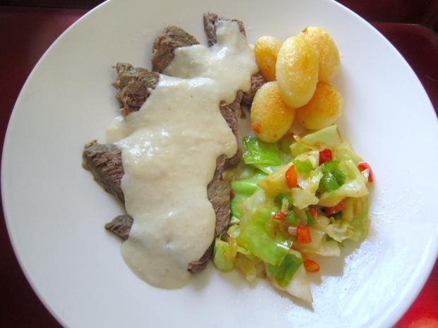 Gekochtes Rindfleish In Meerettich Sauce -  Boiled Chuck Roast In Horseradish Sauce