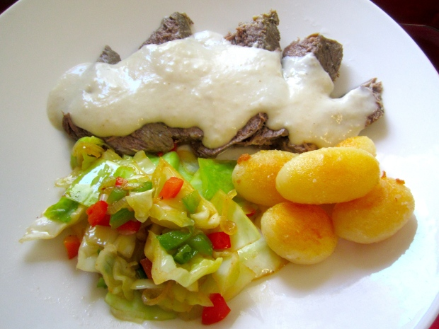 Gekochtes Rindfleish In Meerettich Sauce -  Boiled Chuck Roast In Horseradish Sauce