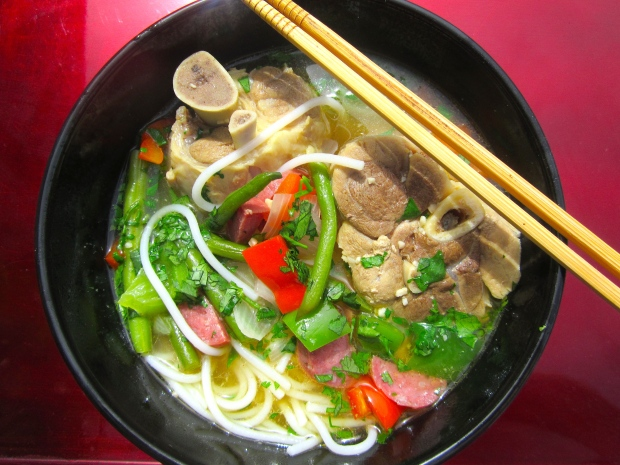 to serve, top noodles  with meat, vegetables and broth, sprinkle with chopped cilantro