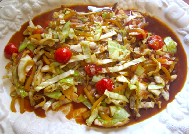 plate cabbage on serving dish