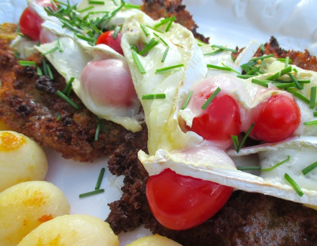 Gratinated Breaded Beef Scallops,  Brie & Tomato