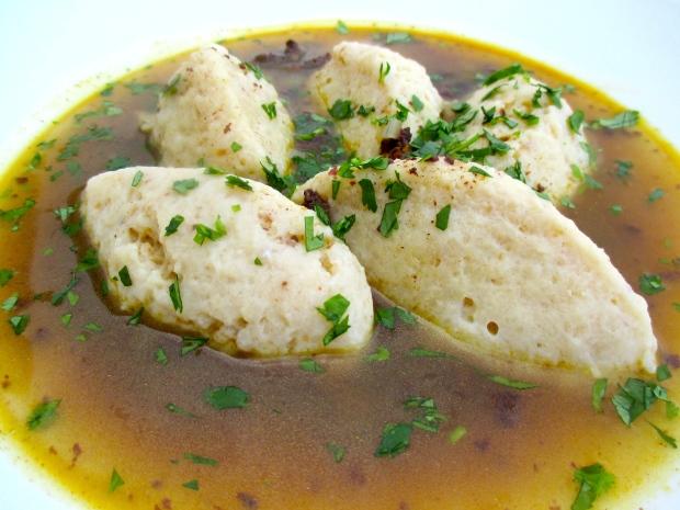 Metzelsuppe Mit Grießklößchen