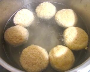 matzoballs, starting to simmer