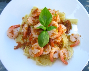 top with shrimp / pangrattato-mix