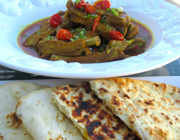 Curry Ribs & Naan