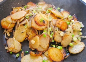 Pommes de terre lyonnaise