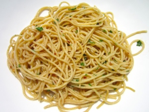 plate spaghetti aglio e burro