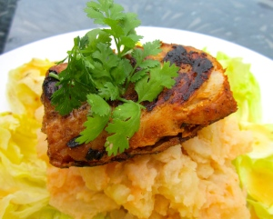 Tandoory Style Cod Filet With Potato-Onion Mash