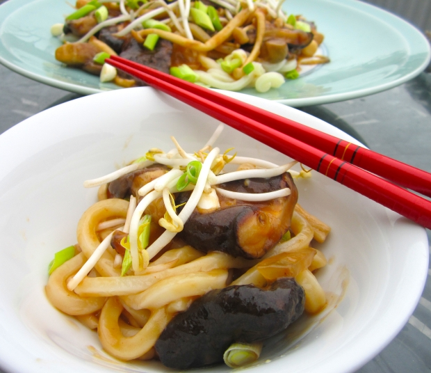 Mushrooms And Udon Noodles In Oyster Sauce