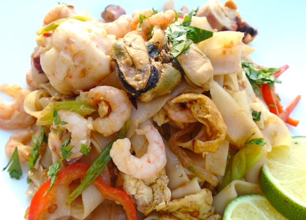 Chili-Noodles With Seafood And Egg