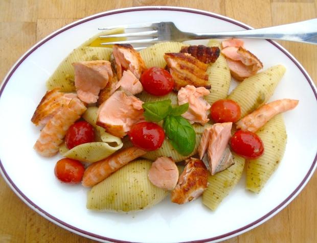 Pasta Salad With Salmon, Shrimp And Pesto