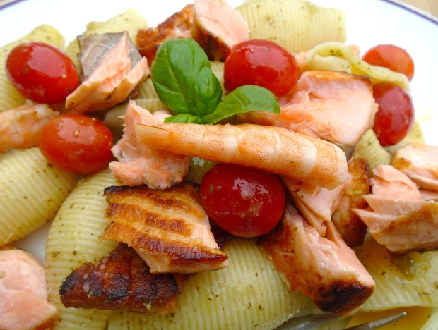 Pasta Salad With Salmon, Shrimp And Pesto