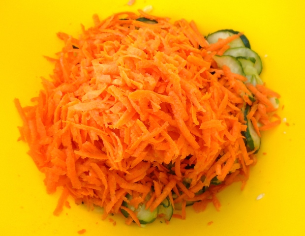 add 1 lb freshly shredded raw carrots