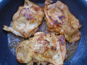 saute the chicken legs on both sides in 1 tblsp peanut oil