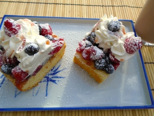 Berries And Cream Pound Cake