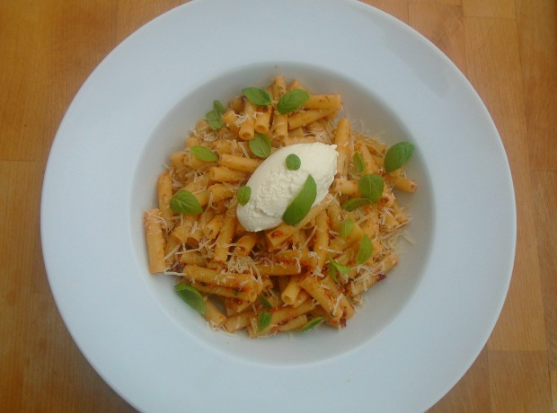 Pasta With Sundried Tomato/Cashew Pesto And Ricotta