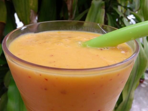 Mango, Peach And Yogurt Smoothie