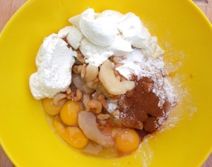 to the apples add 1/4 cup cashew nuts, 1 cup cottage cheese, 4 whole eggs, 3 tbls sugar, 1 tblsp grd cinnamon, 2 tblsp lemon juice, 1/2 tblsp vanilla extract