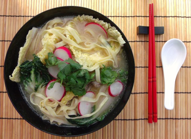 Ginger/Garlic Pork Soup With Vegetables And Yi Mein Noodles