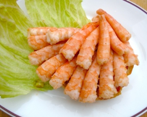 spread 1 tblsp tonkatsu sauce on 2 half croissants, arrange the shrimp on top of first half croissant