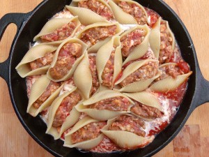 arrange stuffed pasta on the sauce