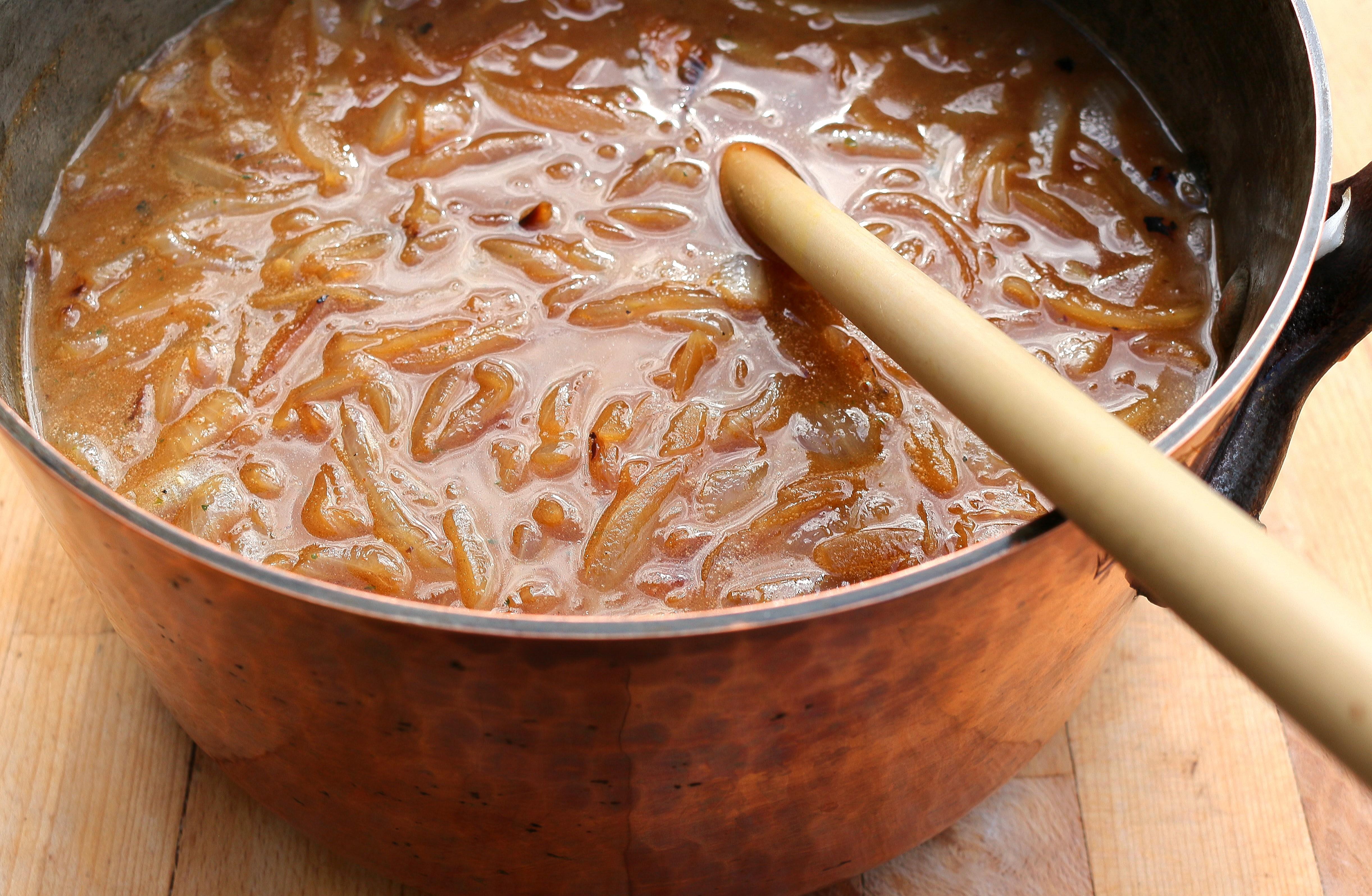 soupe l oignon gratin e french onion soup chefsopinion. Black Bedroom Furniture Sets. Home Design Ideas